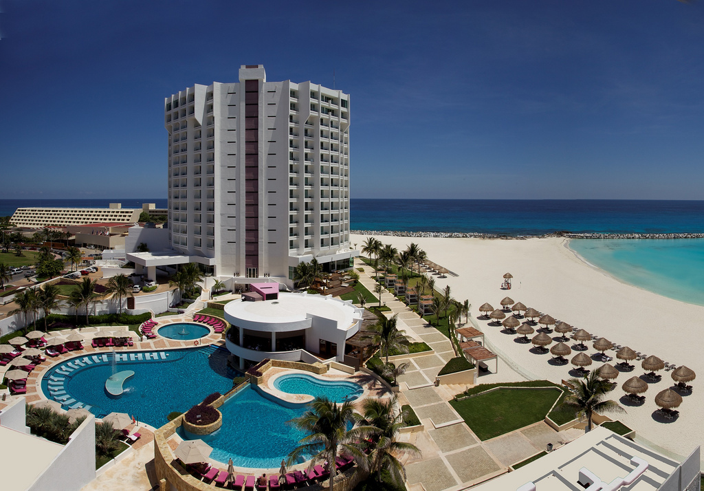 Krystal Grand Punta Cancun